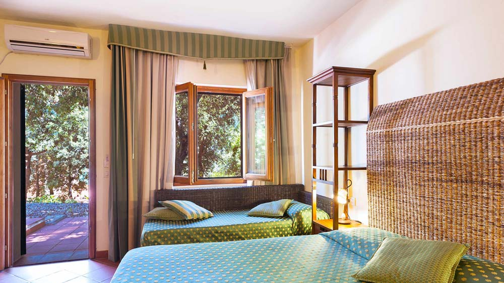 hotel_la_perla_del_golfo_martini_e_pari