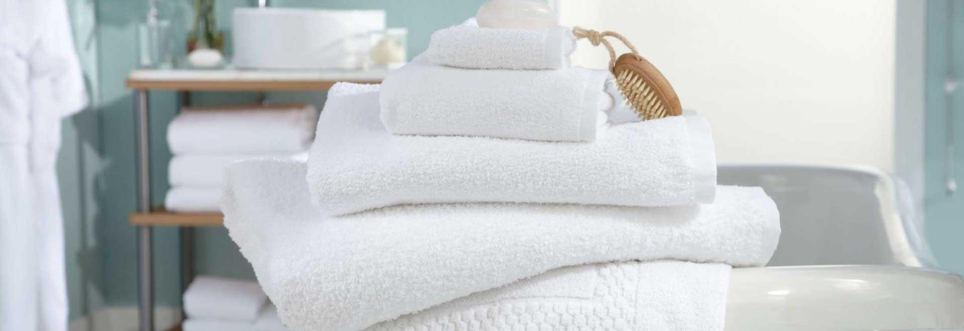 asciugamani spugna hotel martini e pari